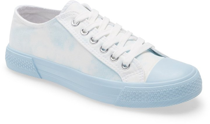 Greta Sneaker