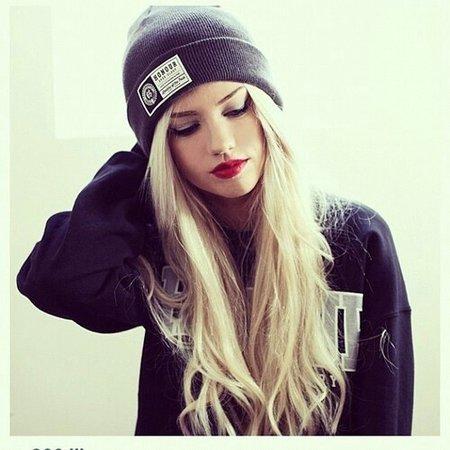 beanie-blonde-girl-girl-hat-Favim.com-2498516.jpg (500×500)