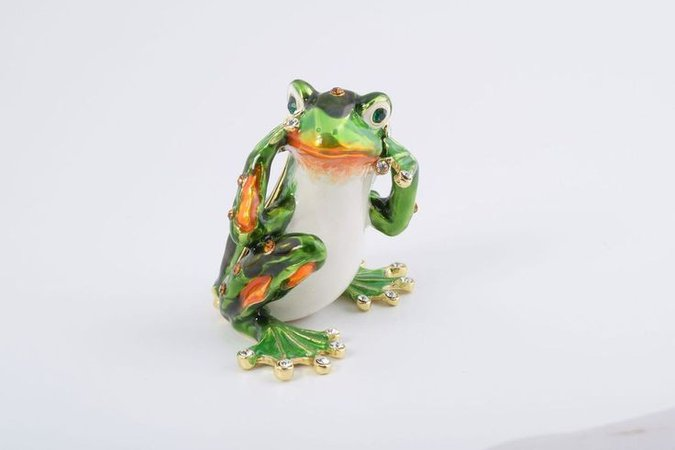 frog hear no evil