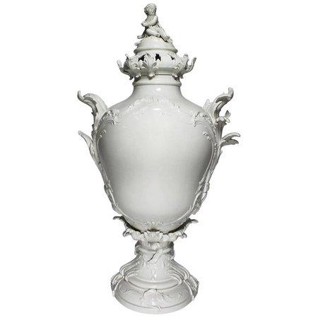 Impressive German 19th Century Berlin KPM Porcelain Figural Exhibition Urn Vase For Sale at 1stdibs