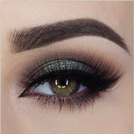 Smokey Army Green Eye Makeup