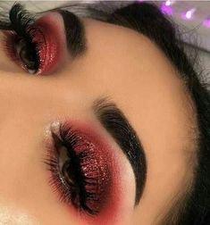 ❤️️ ➖Brows- Brow definer in dark brown @anastasiabeverlyhills ➖Eyes- Modern renaissance palette in burn… | Makeup, Red eye makeup, Holiday makeup looks