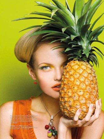 Resultado de imagem para fruit fashion editorial | Âmes aventurières | Tropical fashion, Fruit photography, Fruit shoot