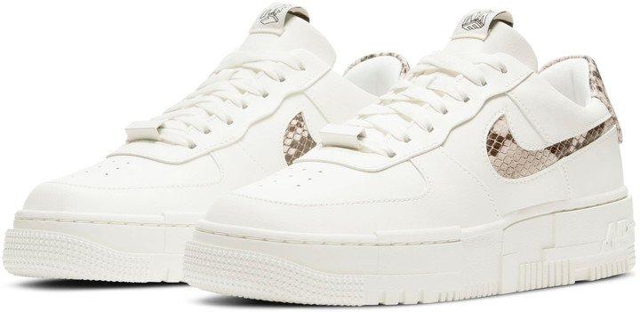 Air Force 1 Pixel SE Sneaker