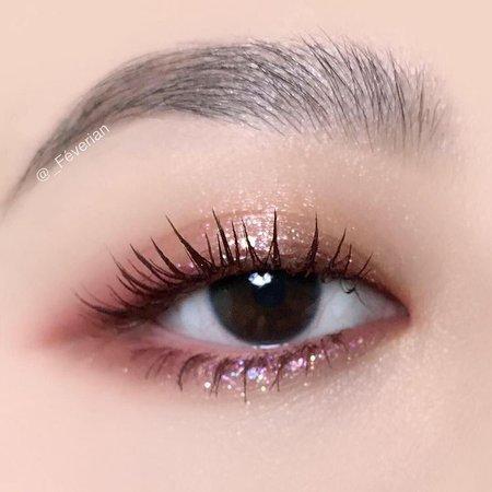 pink wet glitter Korean eye makeup