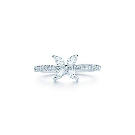 Tiffany Victoria ring in platinum with diamonds