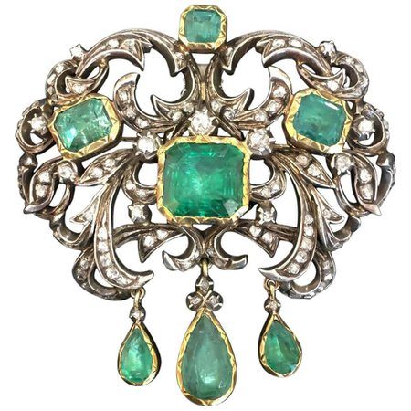 Antique Victorian Natural Emerald and Diamond Brooch and Earrings For Sale at 1stDibs
