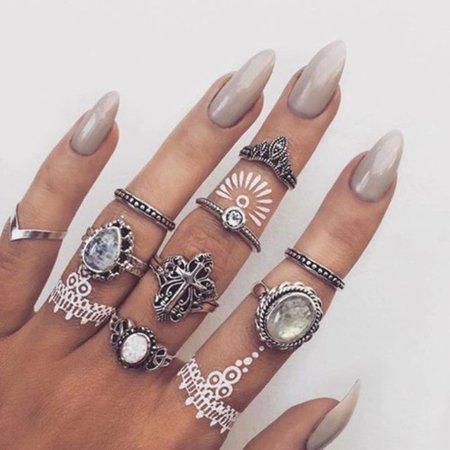 iyepmc-l-610x610-jewels-grunge+ring-jewelry-boho-boho+jewelry-bohemian-knuckle+ring-ring-rings+tings-silver+ring-ring+stack.jpg (610×610)