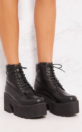Black Chunky Boot | Boots | PrettyLittleThing