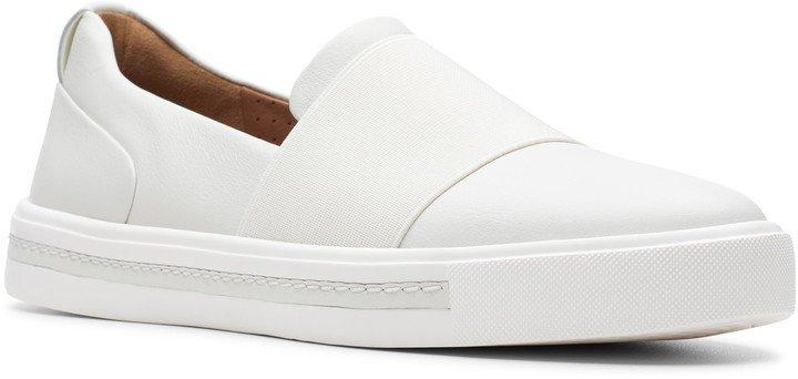 Un Maui Step Sneaker