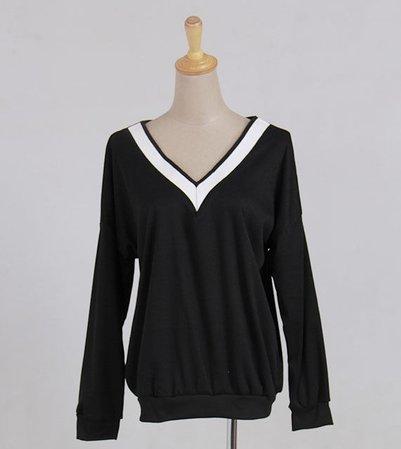 Everose - Long-Sleeved V-Neck T-Shirt from Yesstyle
