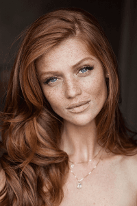 Make-Up-Inspiration-For-Brides-with-Freckles-Bridal-Musings-Wedding-Blog-11 - Makeup Tutorials