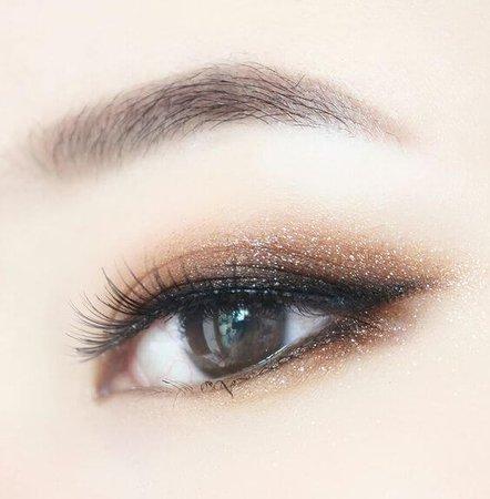 Natural Korean eye look