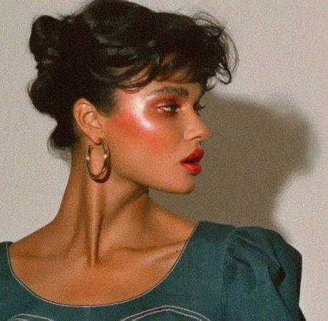 bold red blush lipstick woman