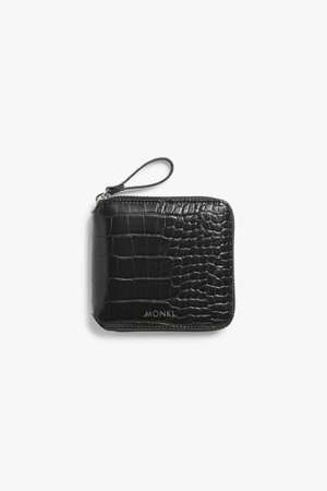 Zippered wallet - Black - Wallets - Monki WW
