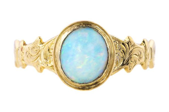 Victorian Opal Ring set in 18ct Yellow Gold c.1870 – Lillicoco