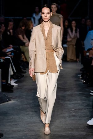 Beige Is Trending for 2019 Spring — Neutral Is Having a Moment – Footwear News