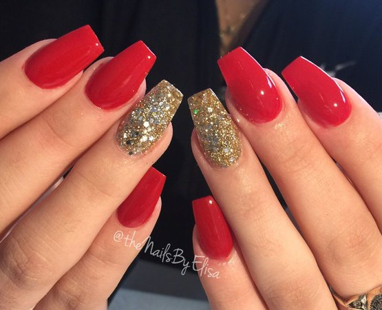 red golden nails