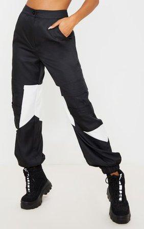 Black Cargo Contrast Pocket Trouser | PrettyLittleThing