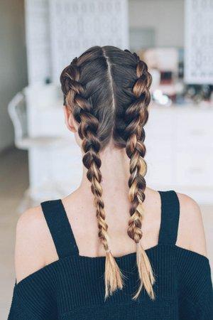Dutch-crown-braid-tutorial-Jennie-Kay-Beauty-Jess-Ann-Kirby-13-680x1020.jpg (680×1020)