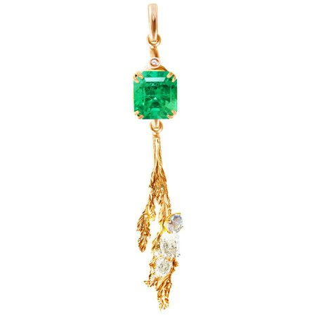 18 Kt Gold Pendant Necklace with SSEF Certified 1.29 Carat Emerald and Diamonds For Sale at 1stDibs