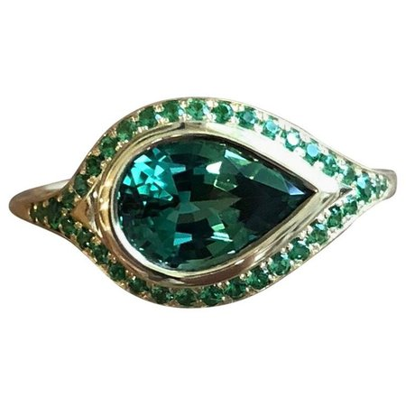 Pear Shaped 2.46 Carat Tourmaline and Tsavorite Pavé 18 Karat Gold Ring For Sale at 1stdibs