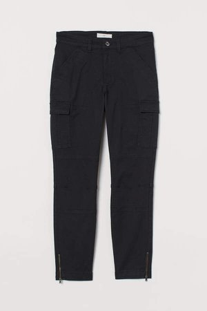 Ankle-length Cargo Pants - Black
