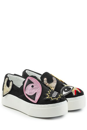 Slip-On Sneakers with Patches Gr. EU 37