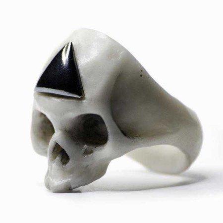 Triangulum ring macabre gadgets