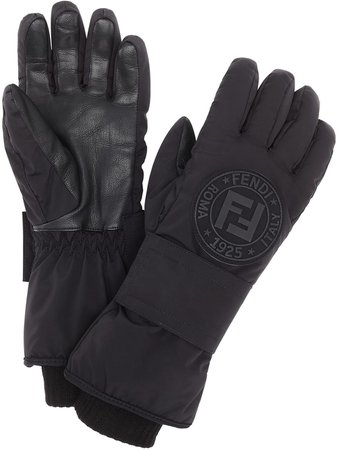 Shop black Fendi logo patch snow gloves with Express Delivery - Farfetch