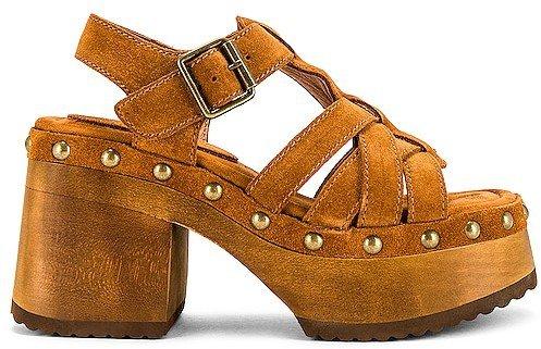 Ring-It Platform Sandal