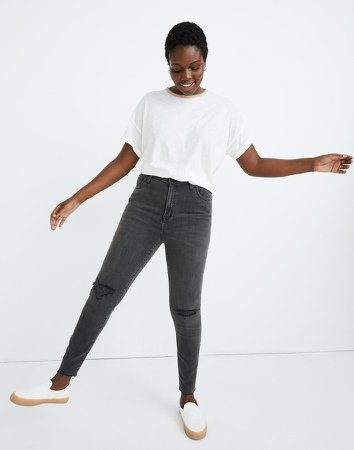 Curvy High-Rise Skinny Jeans in Black Sea
