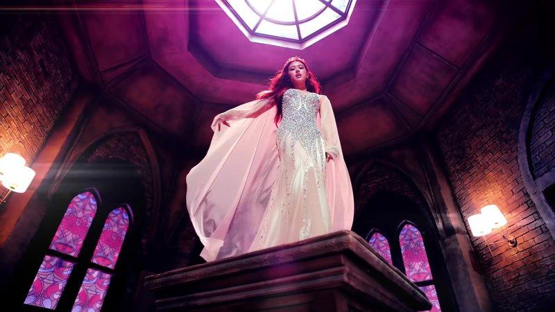MARIONETTE 'DDU-DU-DDU-DU' MV - Mina's Solo Scene