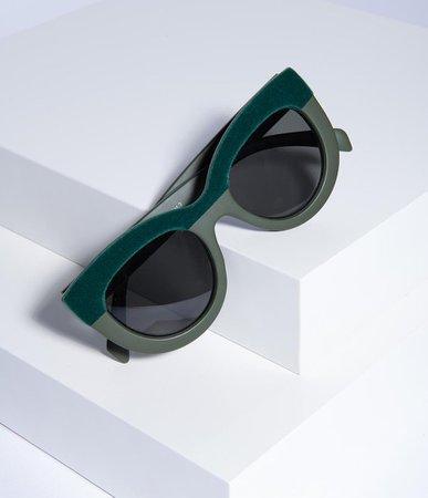 Emerald Green Velvet Cavalcade Cat Eye Sunglasses – Unique Vintage