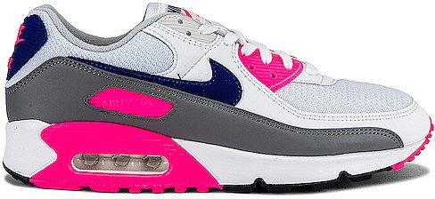 III Sneaker