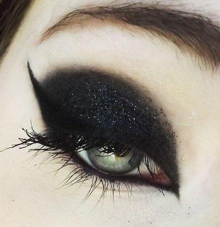 Gothic Eye Makeup