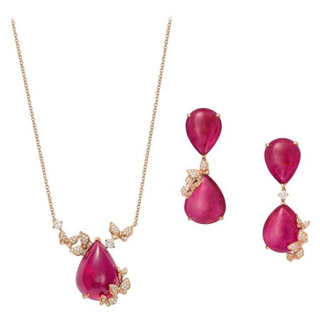18 Karat Rose Gold, Pink Rubelites and Diamonds Earrings and Necklace For Sale at 1stDibs