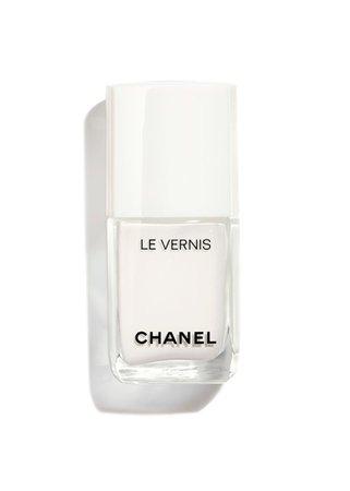 Chanel Le Vernis white nail polish