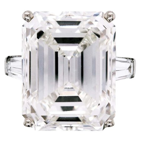 Harry Winston 24.19 Carat Emerald Cut J color VS2 GIA Certified Platinum Ring For Sale at 1stDibs