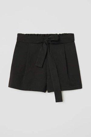 Shorts with Tie Belt - Black