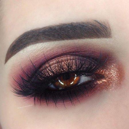 Dark Red Eyeshadow