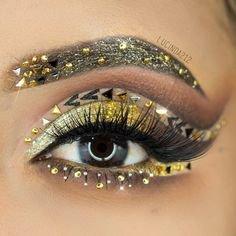 Gold Eye Makeup Design