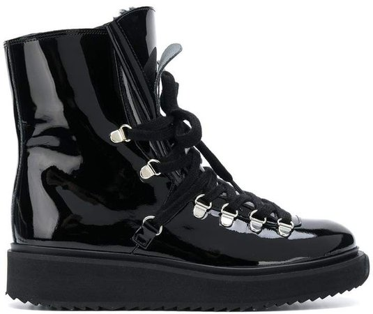 Alaska fur-lined boots