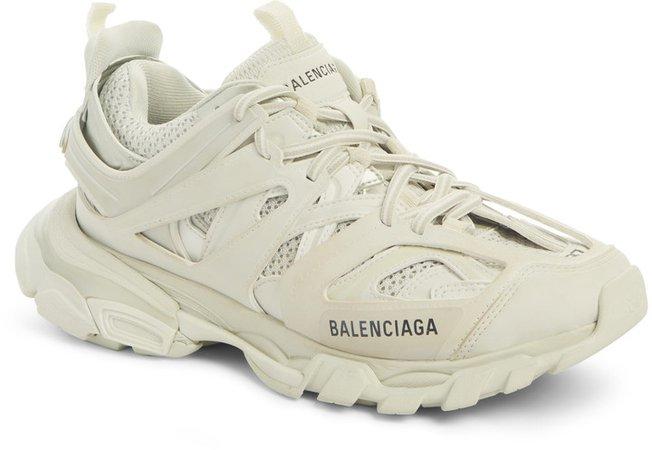 Track Low Top Sneaker