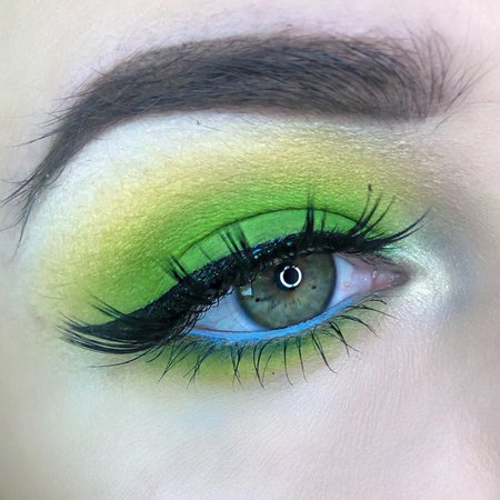 Neone Green & Blue Eyeshadow