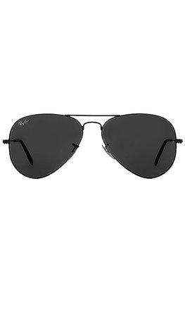 Ray-Ban Aviator Classic in Black | REVOLVE
