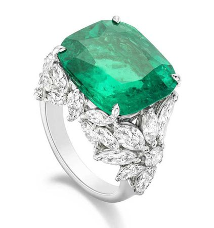 Piaget, emerald ring with diamonds