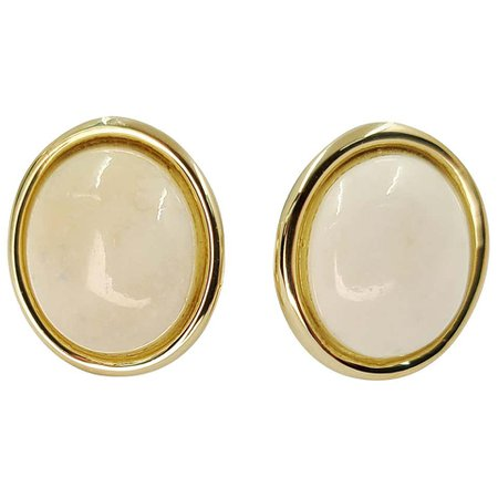 14 Karat Yellow Gold White Coral Stud Earrings For Sale at 1stDibs