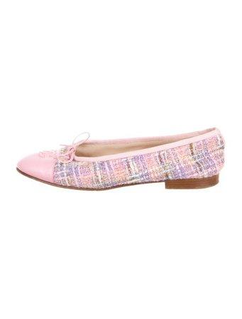 Chanel CC Cap-Toe Tweed Flats - Shoes - CHA322239   The RealReal
