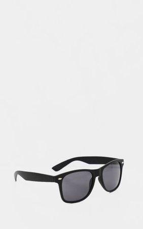 Black Basic Rounded Lens Sunglasses | PrettyLittleThing